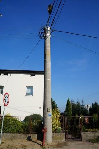 betonowa kolumna na Sobieskiego