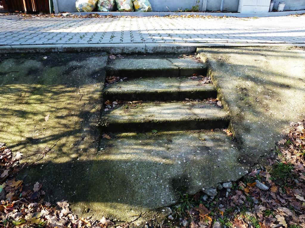 betonowe schodki na Krętej 03112016