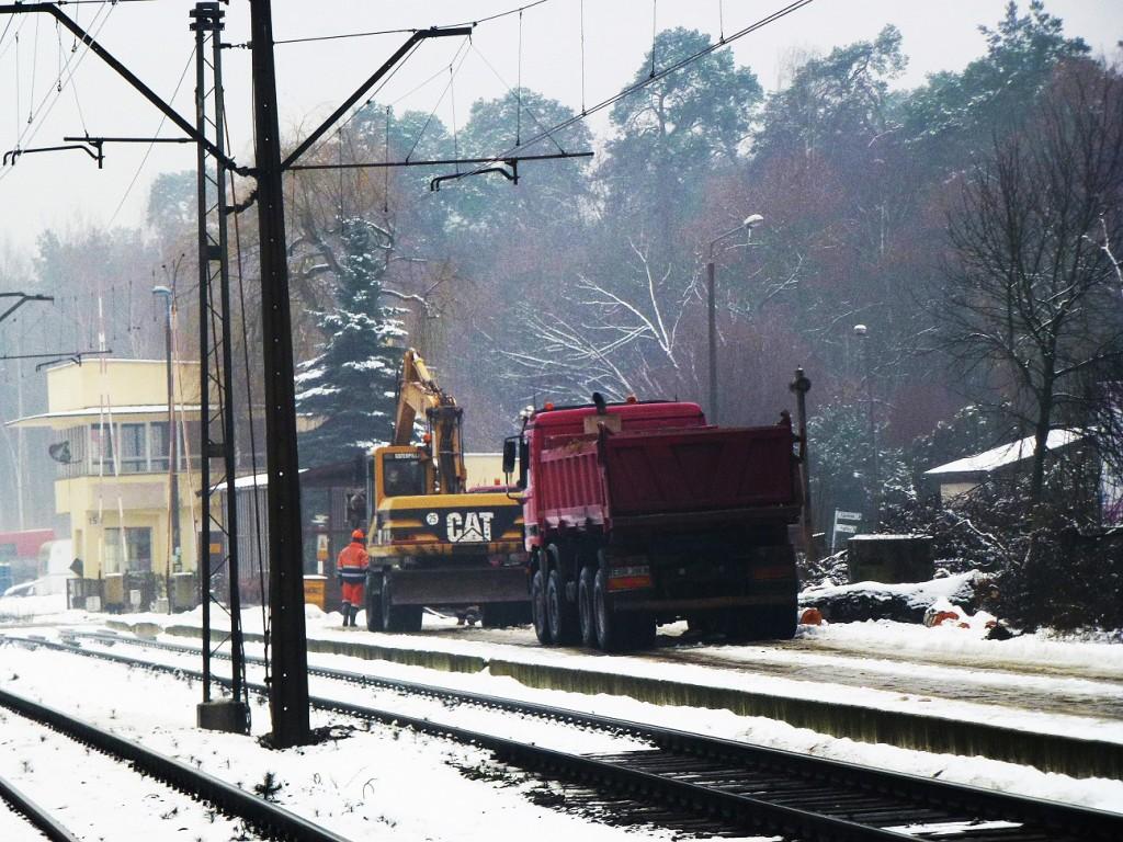 początek remontu dworca w Puszczykowie 12.01.2016 2